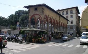 Piazza dei Ciompi and the Loggia del Pesce