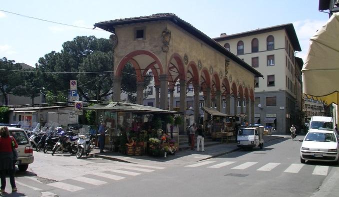 Piazza dei ciompi and loggia del pesce what to see for Piazza dei ciompi