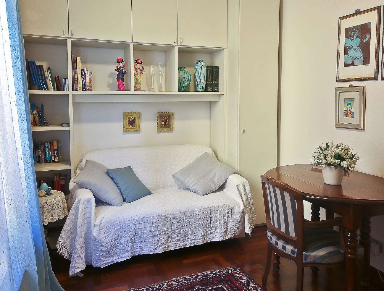 guelfa tourist apartment in florence. Black Bedroom Furniture Sets. Home Design Ideas